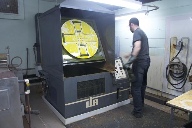 Bassin pour la gravure des plaques (Gravure Choquet)