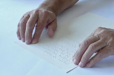 Test de lisibilité (braille embossé dans le papier)